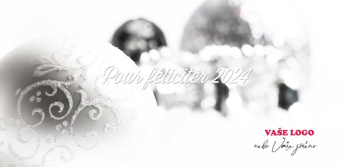 Příjemnou nostalgii dodáte své novoročence stříbrným vánočním zátiším s ozdobami a detailem na ornamenty.