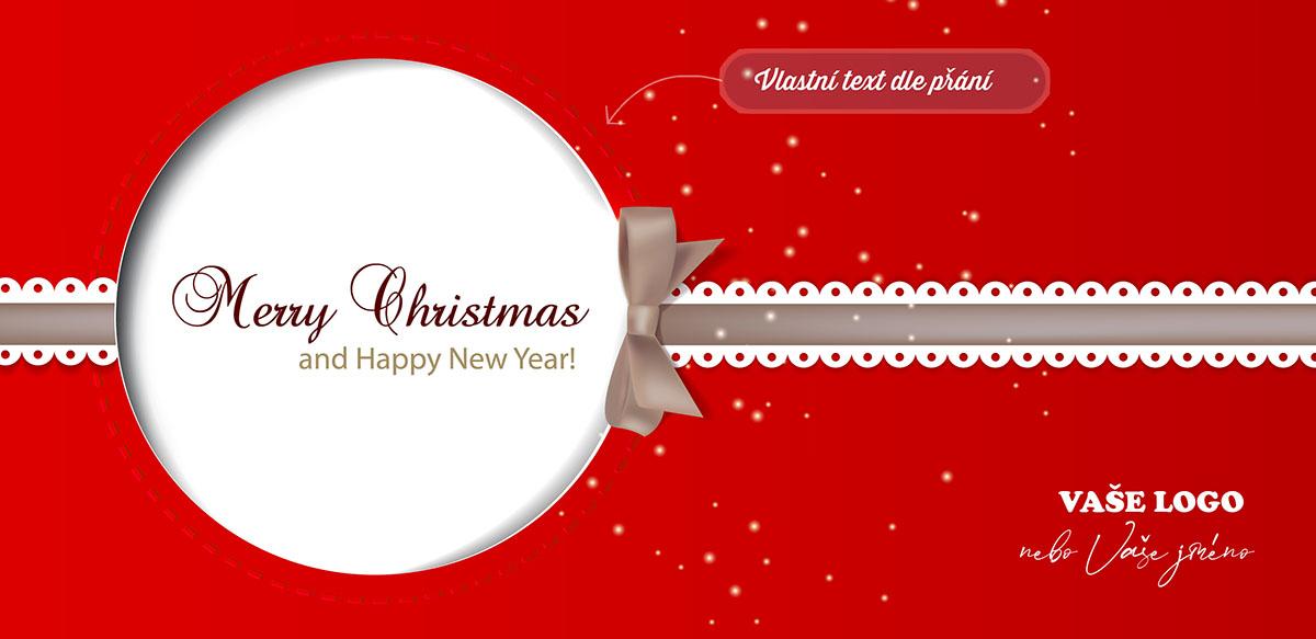 Vánoční přání stylizované do červeného dárku s krajkovou stuhou, na níž je zavěšená bílá baňka.