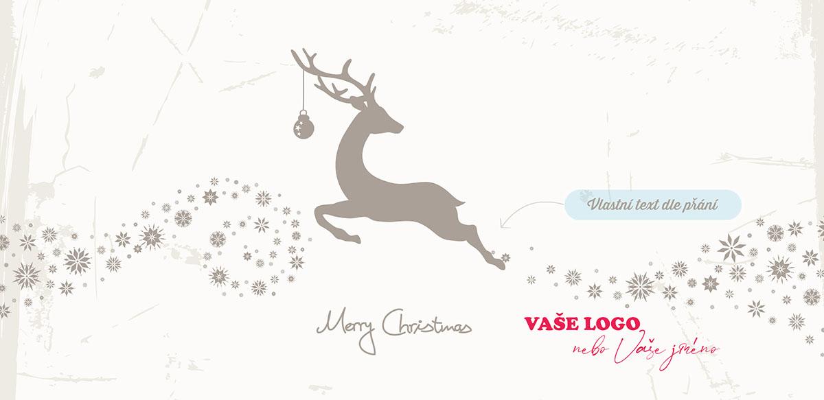 Bílá novoročenka s jelenem s ozdobou na parohu běžícím po cestě ze stříbrných vloček.