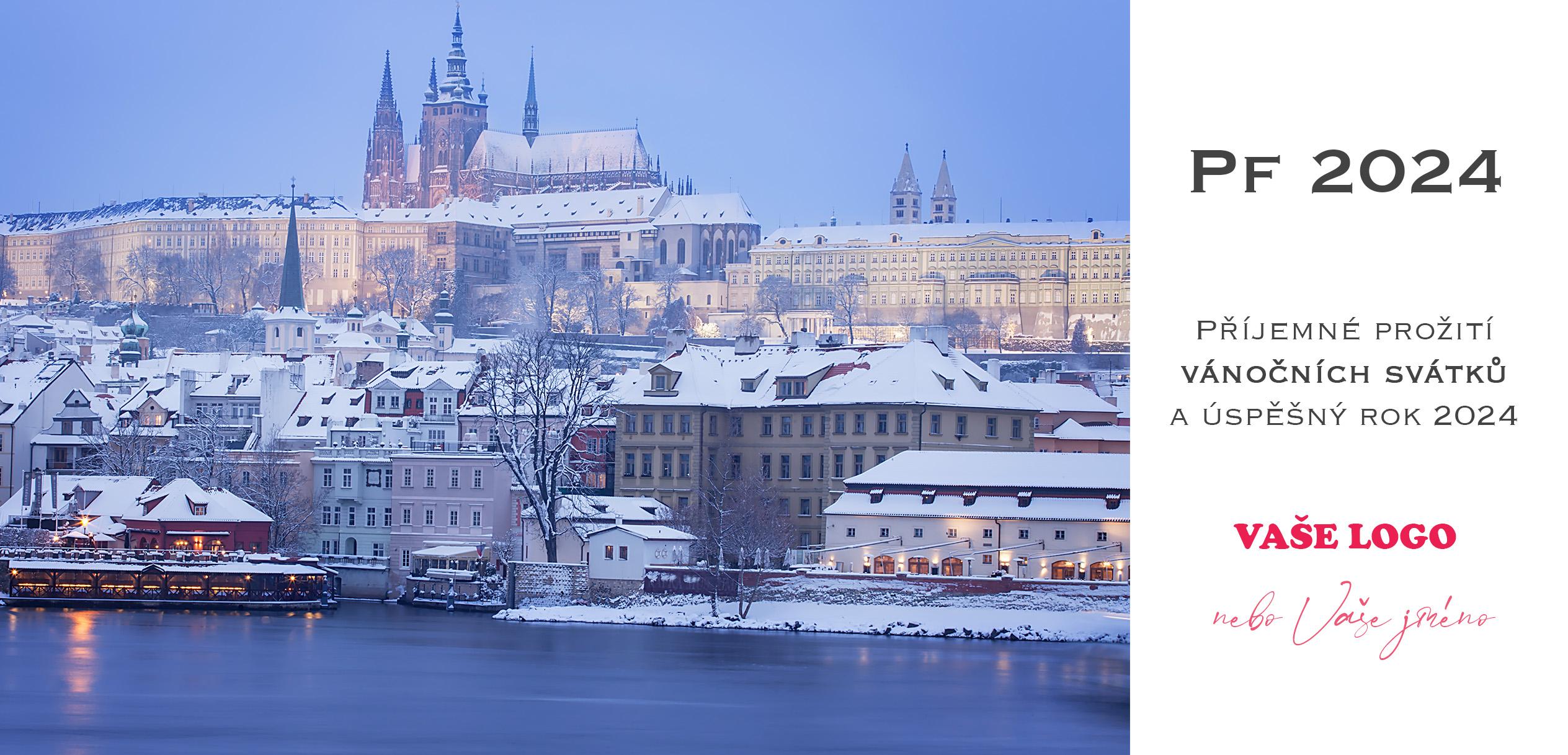 Zasněžená architektura Prahy dodává novoročenkám romantickou náladu, která ke svátkům patří.