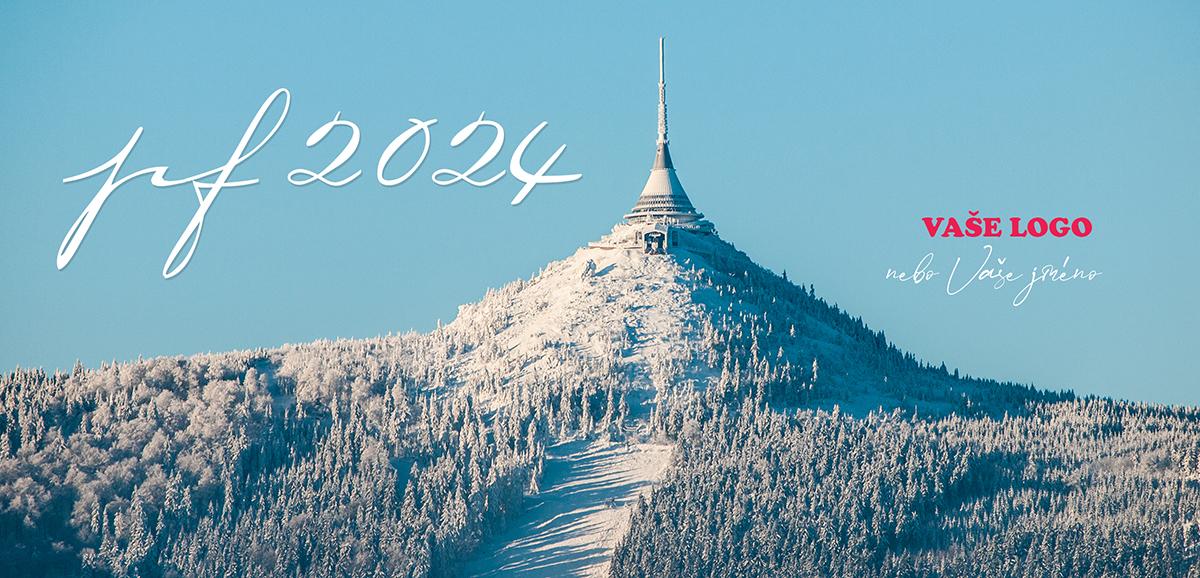 Zimní Ještěd za slunečného počasí vytvořil inspirativní novoroční přání s cílem výletu pro budoucí rok.