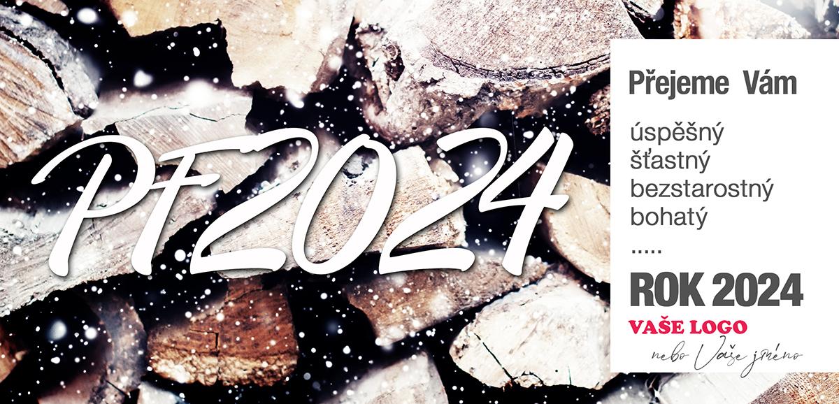 Pozadí srovnaného dřeva pozvolna zapadajícího sněhem spolehlivě prohřeje vaše novoroční přání.