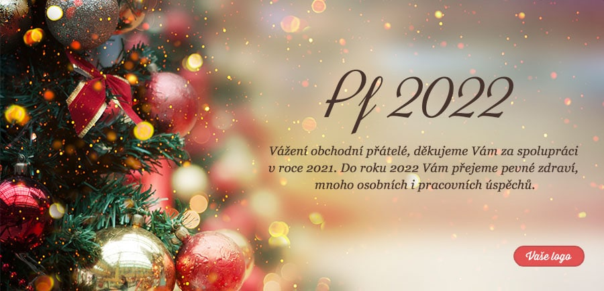 Část nazdobeného červenozlatého vánočního stromku s lesklými baňkami, jejichž odlesky tvoří i pozadí novoročenky.