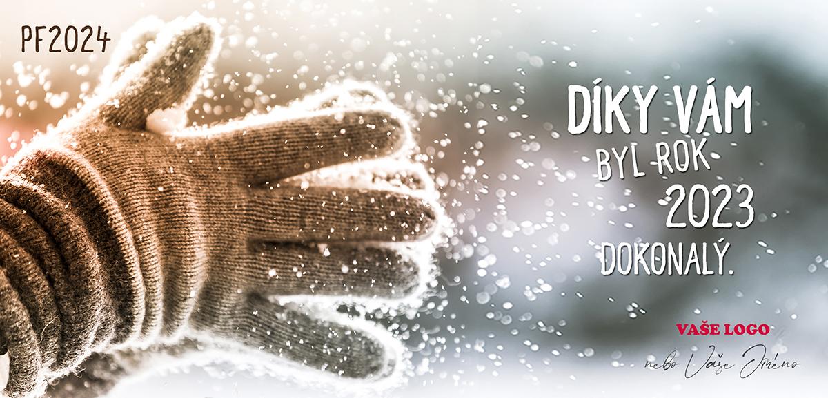 Tleskající ruce v rukavicích, od kterých odlétá sníh, vytváří velmi efektní firemní novoroční přání.